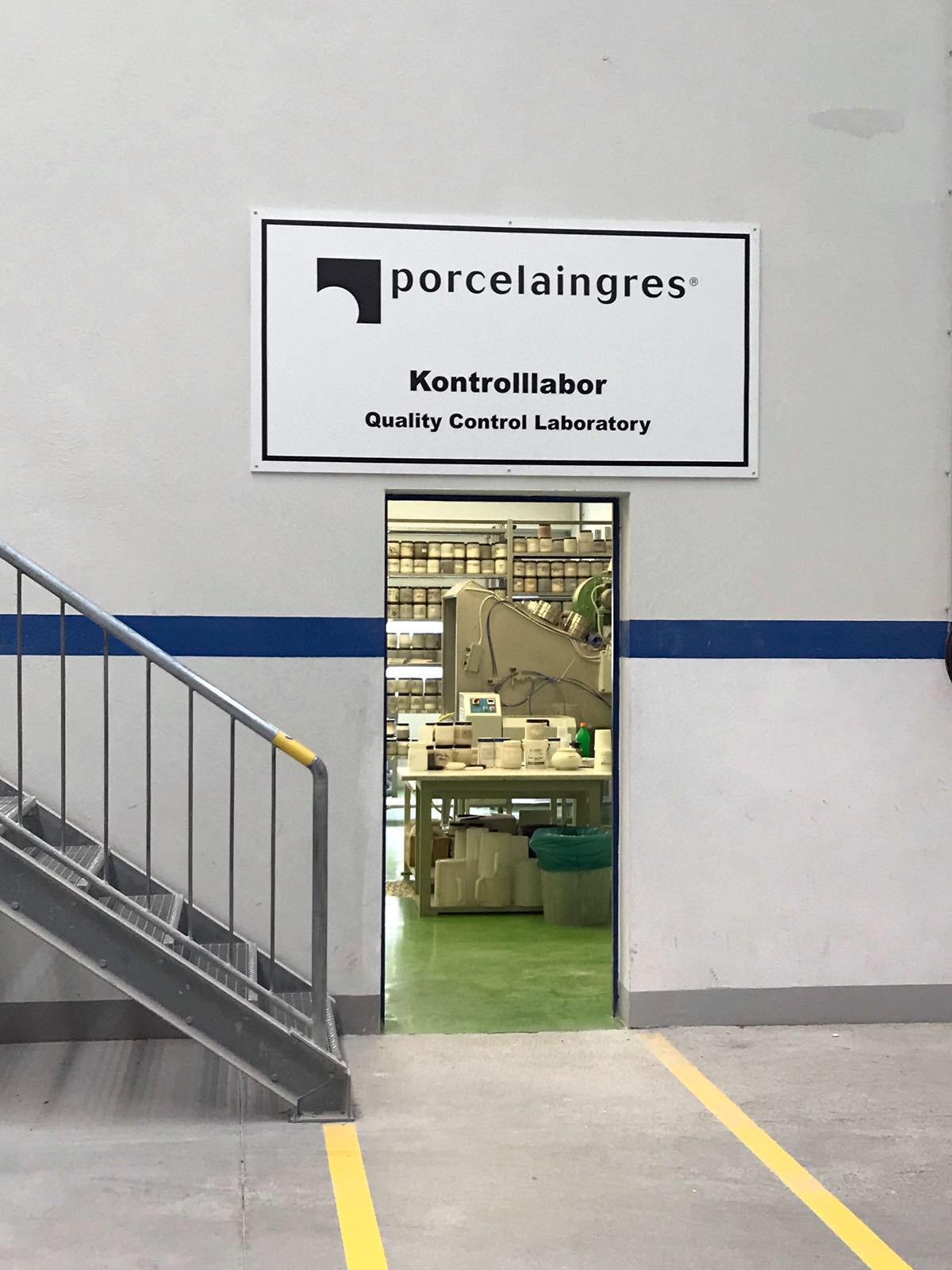 Addessi-Design-Berlino-Porcelaingres-Fiandre (4)